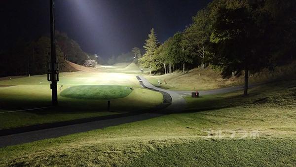 市原ゴルフクラブ柿の木台コースの1番ホールのティーグラウンド