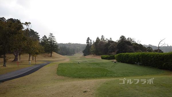 市原ゴルフクラブ柿の木台コースの10番ホールのティーグラウンド