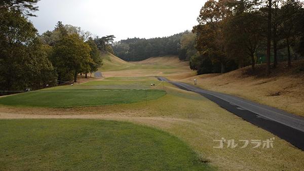 市原ゴルフクラブ柿の木台コースの11番ホールのティーグラウンド
