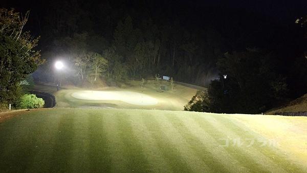 市原ゴルフクラブ柿の木台コースの2番ホールのティーグラウンド