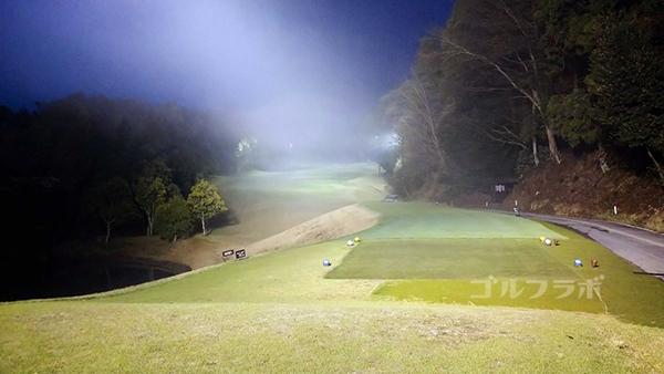 市原ゴルフクラブ柿の木台コースの3番ホールのティーグラウンド