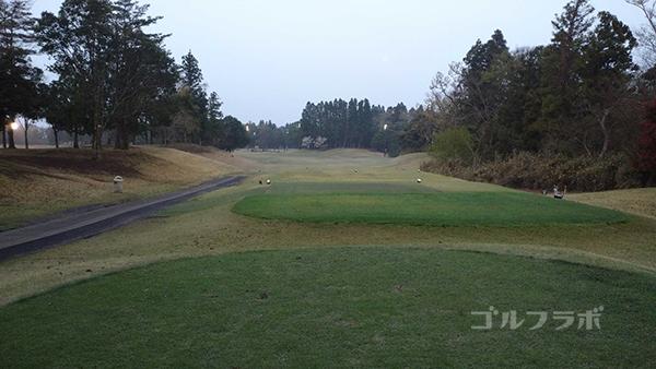市原ゴルフクラブ柿の木台コースの6番ホールのティーグラウンド