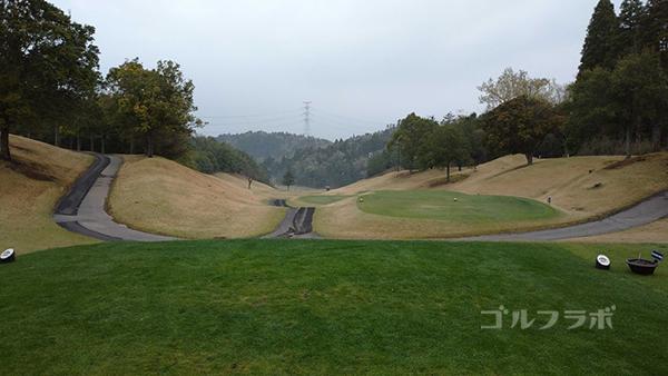 市原ゴルフクラブ柿の木台コースの8番ホールのティーグラウンド