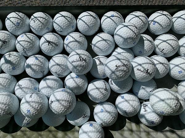ワールドゴルフ練習場のボール