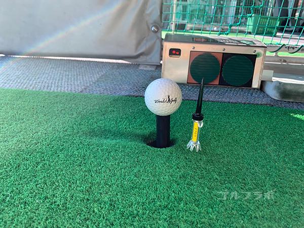 ワールドゴルフ練習場の打席機械