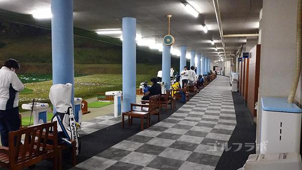 アネックスゴルフの1階の打席