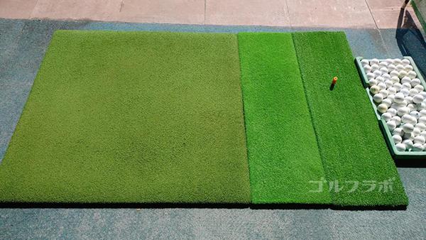 ジョイバードゴルフ練習場のマット
