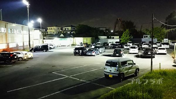.ジャンボゴルフクラブの駐車場