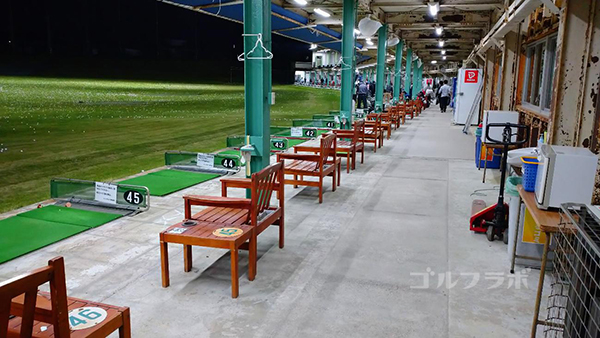 .ジャンボゴルフクラブの1階の打席