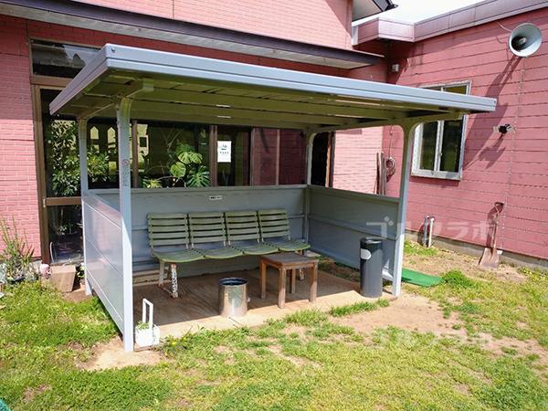 光風台ゴルフガーデンの喫煙スペース