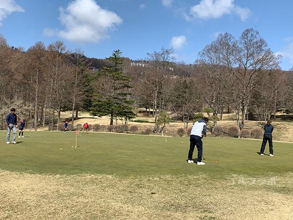 蓼科東急ゴルフコースのパターの練習場
