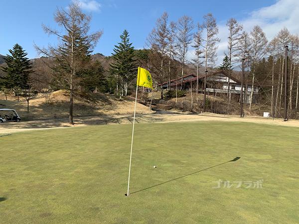 蓼科東急ゴルフコースの18番ホールのグリーン