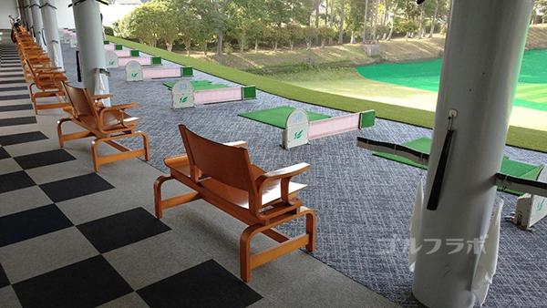 フジゴルフパークの2階打席