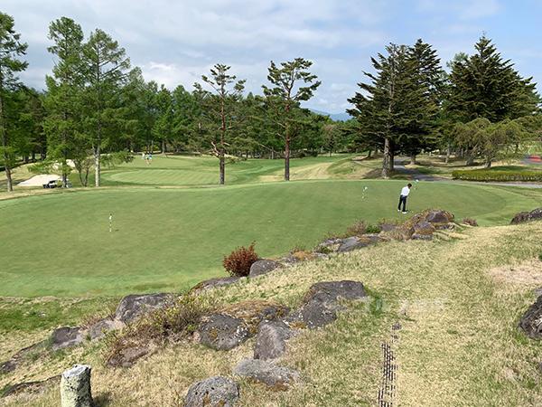 富士見高原ゴルフコースのパター練習場