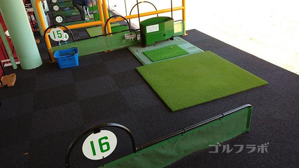 誉田ゴルフセンターのレフティ打席