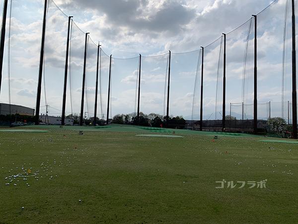 湘南グリーンゴルフのドライビングレンジ