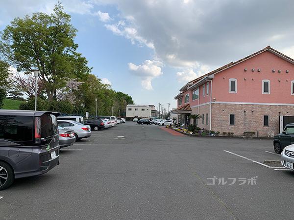 湘南グリーンゴルフの駐車場