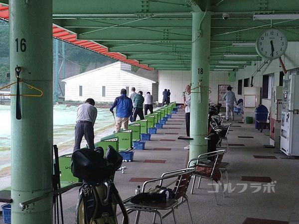 土気ゴルフセンターの早朝練習