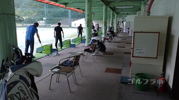 土気ゴルフセンターの1階打席