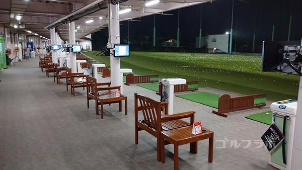 ジャパンゴルフスクールの打席
