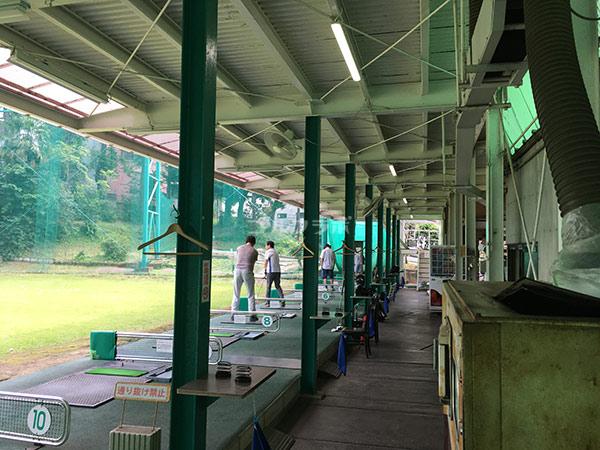 南中野ゴルフセンターの1階打席