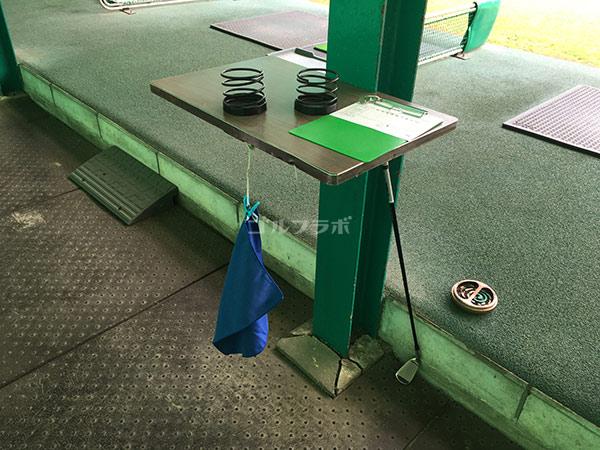 南中野ゴルフセンターの打席の後ろの台