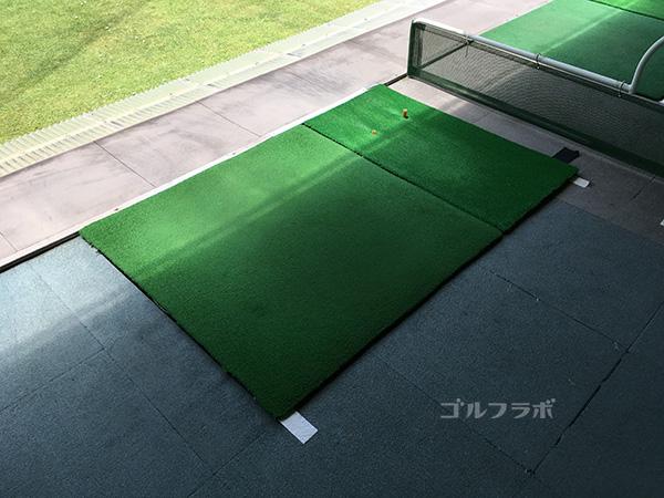 駒ゴルフガーデンの2階のマット