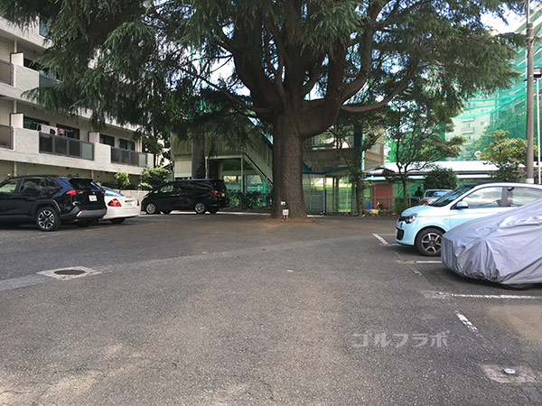 駒ゴルフガーデンの駐車場