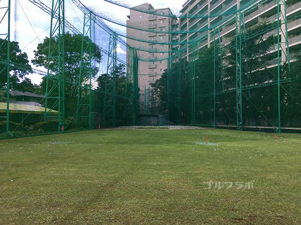 駒ゴルフガーデンのドライビングレンジ