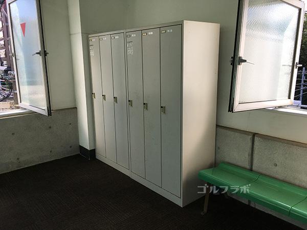 巣鴨スポーツセンターゴルフ練習場のロッカー
