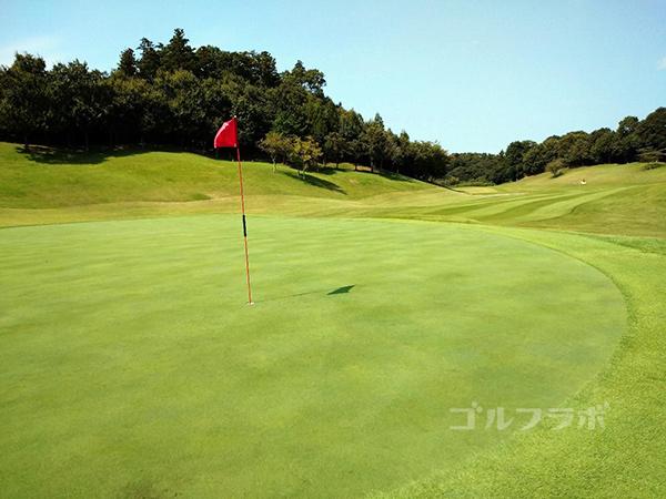 成田フェアフィールドゴルフクラブの2番ホール