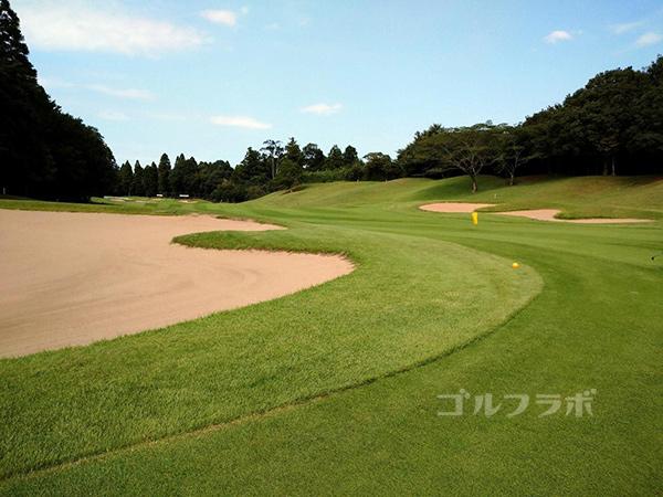 成田フェアフィールドゴルフクラブの4番ホール